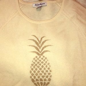 Xs Cream Tommy Bahama sweater with gold pineapple